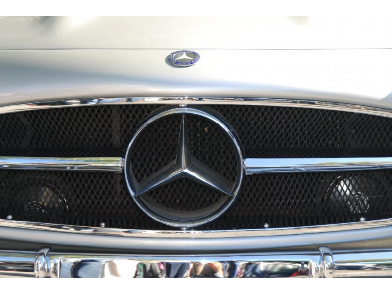 Mercedes Benz Mulls Hq Move Experts Warn Caution Patch