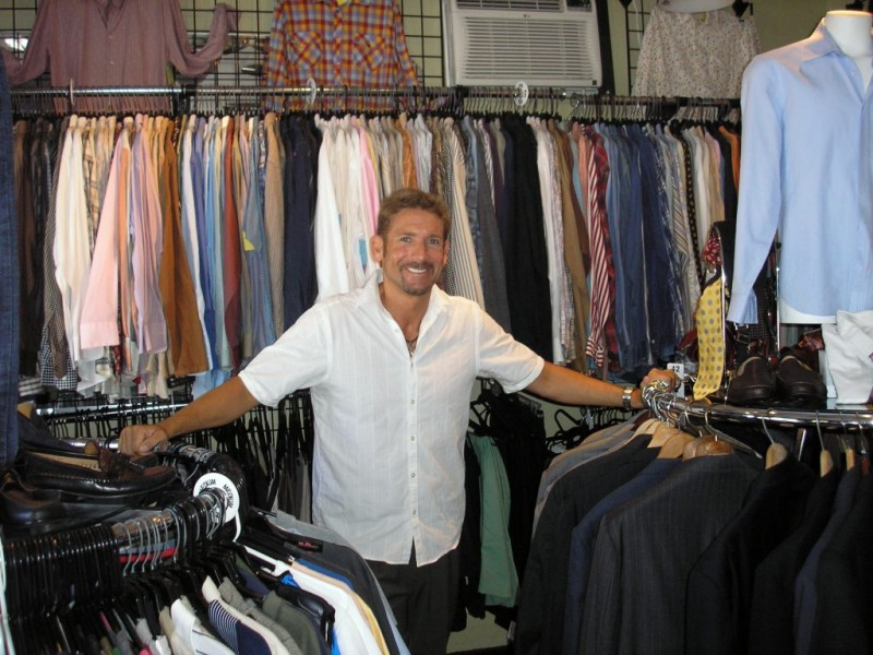 Clothes stores. Low price clothing stores