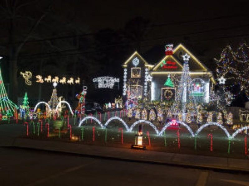 best christmas lights in tampa bay tampa fl patch. Black Bedroom Furniture Sets. Home Design Ideas