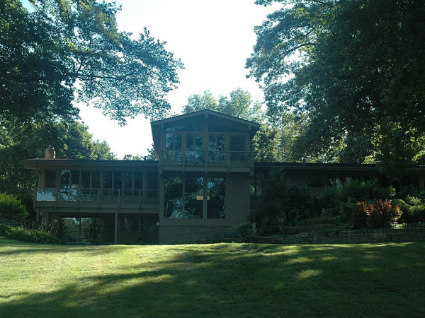 Lakeside House Is Frank Lloyd Wright Inspired Stow Oh Patch