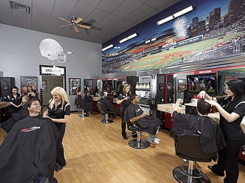 Sports Clips Haircuts?A Spot for Real Guys to Get a Hair Cut