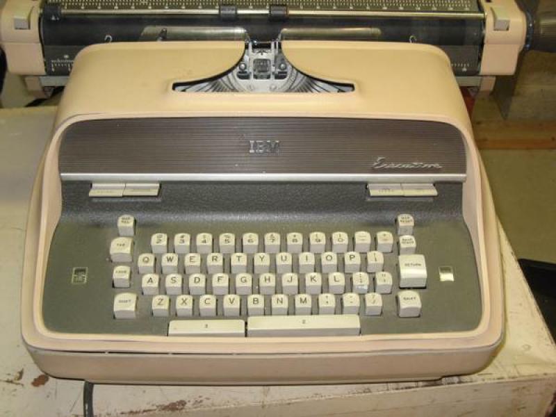 Nationwide Craigslist Search >> Whitefish Bay Craigslist Finds: Typewriter, Favre Jersey ...