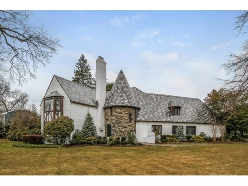 Wow House Restored English Tudor In Garden City Garden City Ny Patch