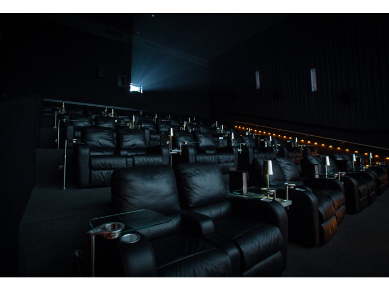 Dine in 4 d cinema coming to american dream project New jersey dine in theatre