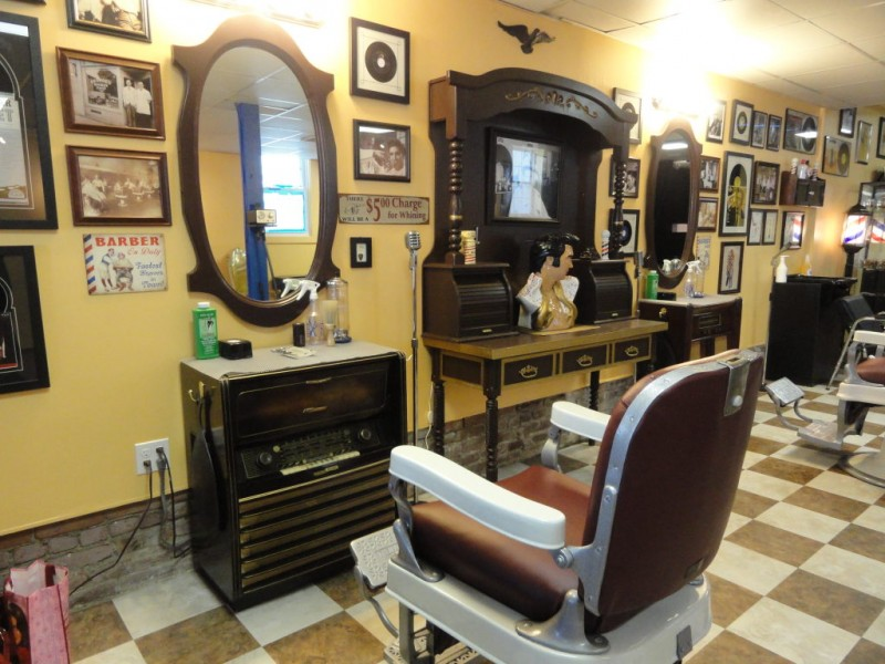 Art Hair And Rock N Roll At Beale Street Barber Shop