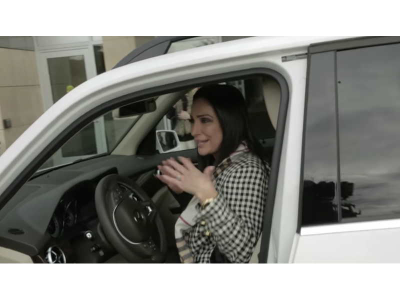 Burlington mall shoppers surprised with car switch for Mercedes benz burlington ma