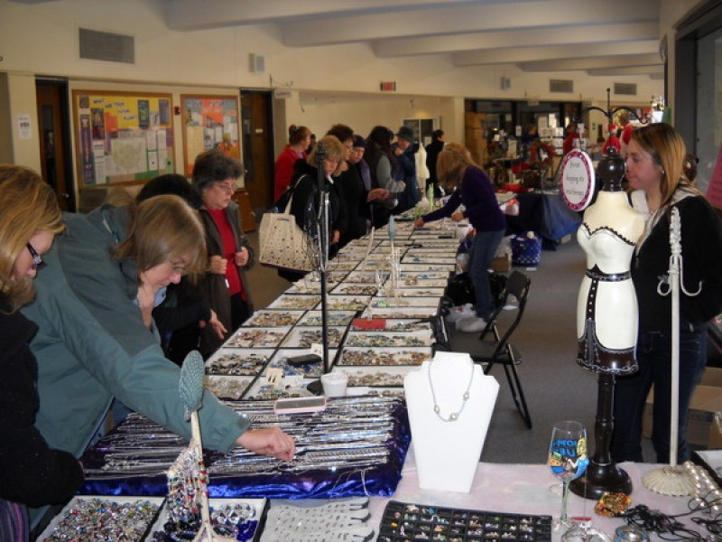 27th annual framingham auxiliary police holiday craft fair