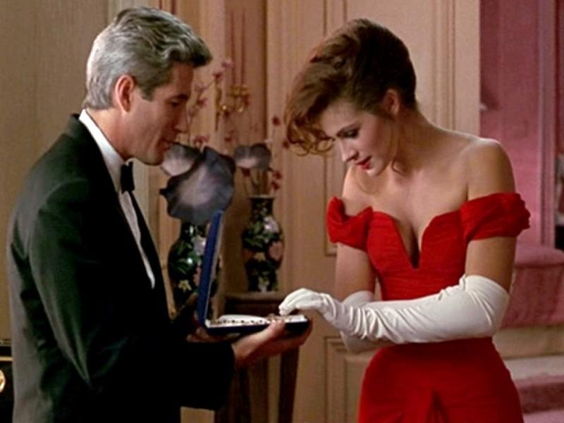 director reveals iconic jewelry box scene from pretty