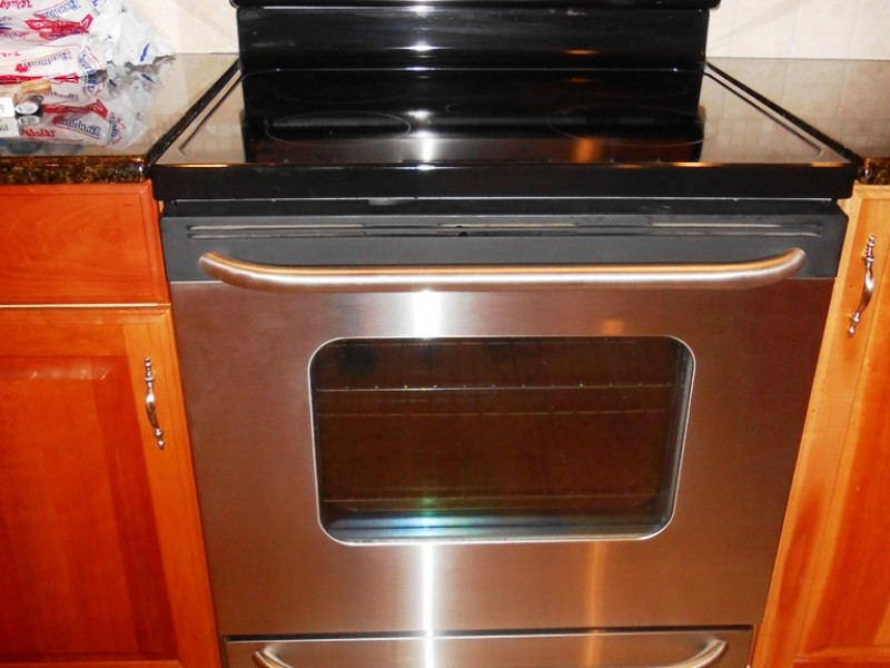 mint condition ge stainless steel electric range stove for sale westfield nj patch. Black Bedroom Furniture Sets. Home Design Ideas