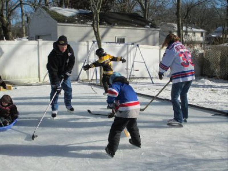 how to build a backyard ice hockey rink patch