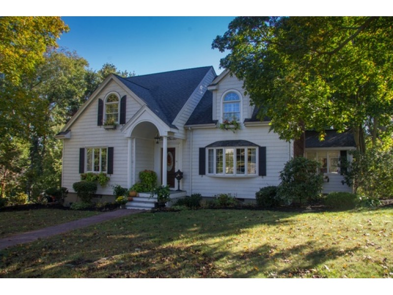 Real estate homes for sale in braintree braintree ma patch for Home for sale in mass