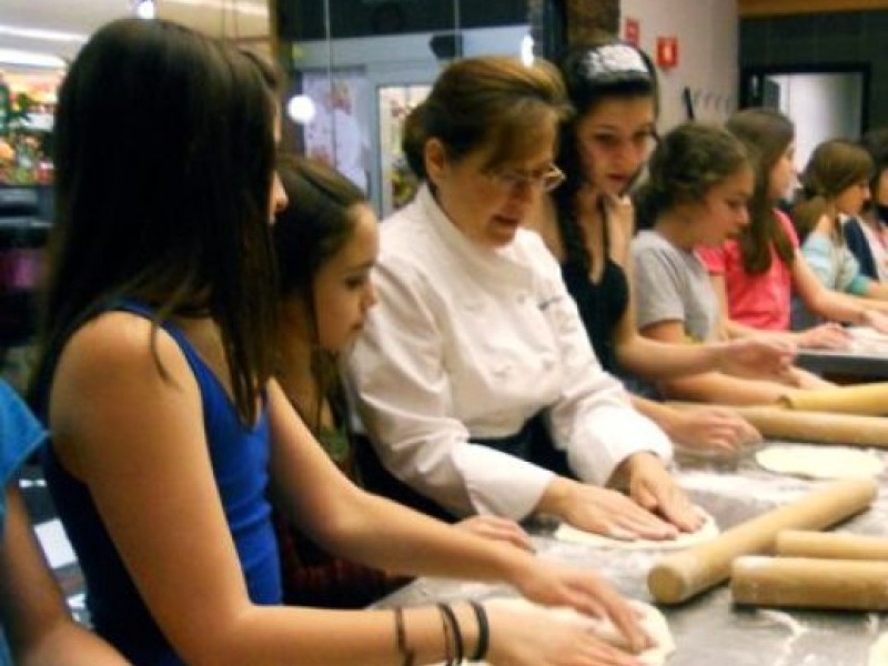 Spots available in tarry market cooking classes port for Eastchester fish market