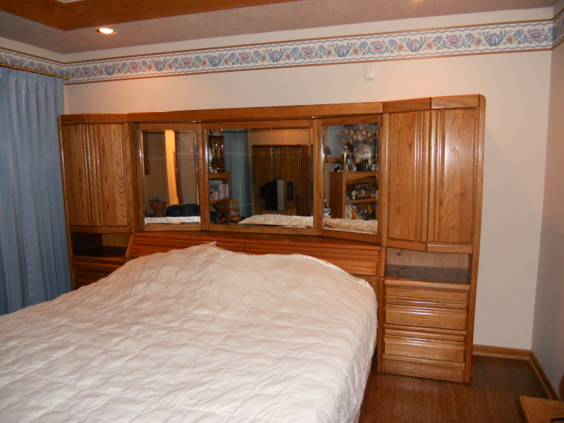 King size bedroom set new lenox il patch - Bedroom sets with mirror headboard ...