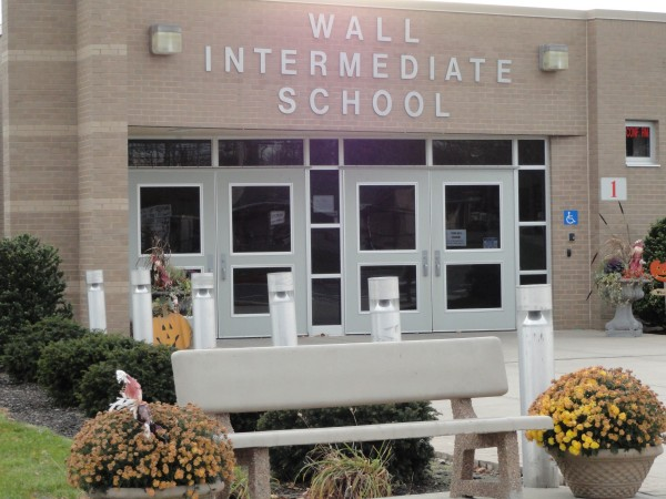 Wall School District : Students parents protest district s downsized music plan