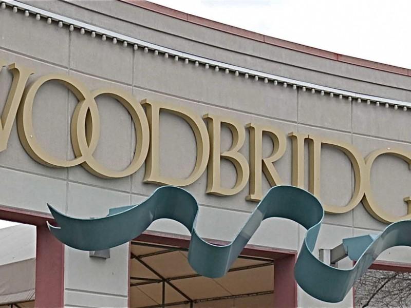 woodbridge center mall holiday hours 2