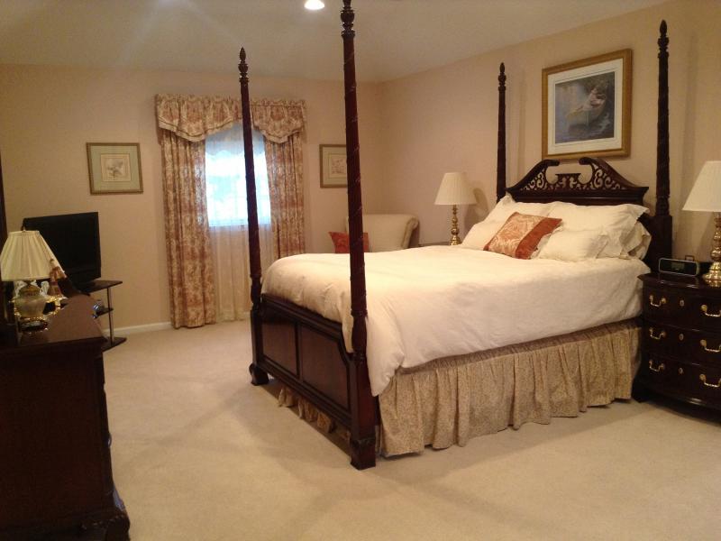 mahogany 4 poster master bedroom set little silver nj patch