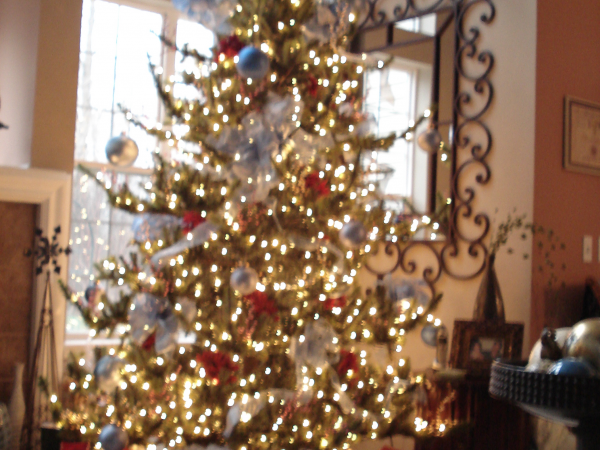9' Tall Heritage Evergreen Pre-Lit Christmas Tree. - Westlake, OH Patch