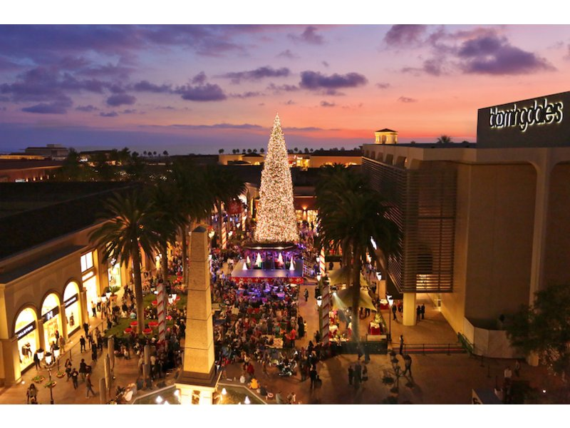 Fashion Island's Annual Holiday Tree Lighting hosted by Mickey ...