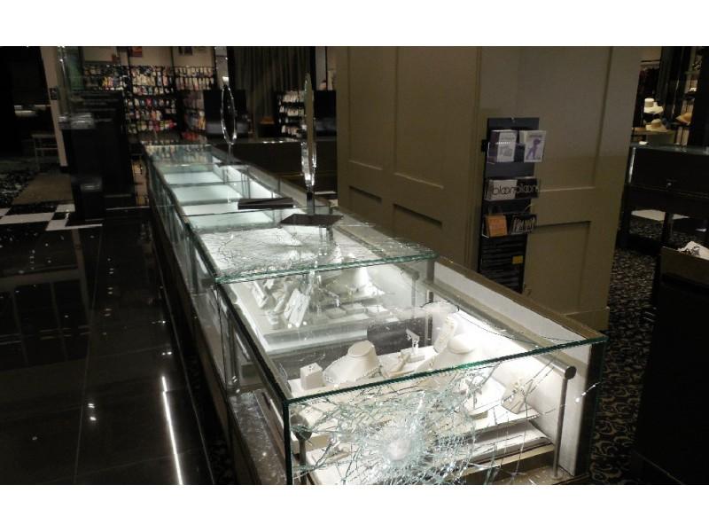 burglars smash stolen suv into stanford shopping center