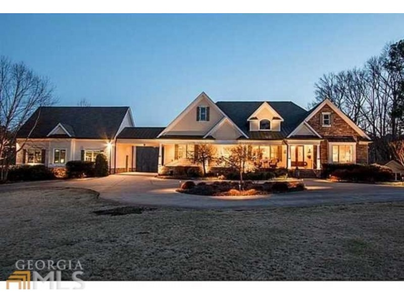 Wow house panoramic waterfront views home theater for Custom home builders canton ga