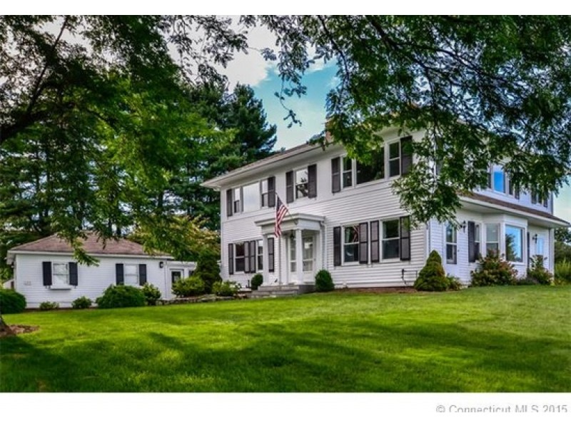 West hartford 39 s latest houses for sale for Connecticut home builders
