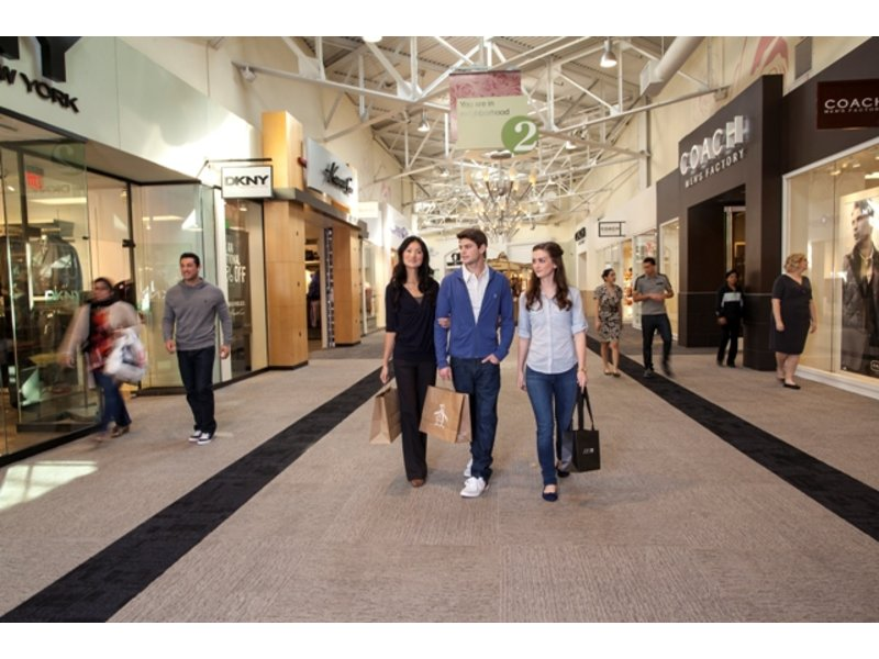 The Outlet Shoppes At Fremont is located in Fremont, Indiana and offers 34 stores - Scroll down for The Outlet Shoppes At Fremont outlet shopping information: store 4/4(2).
