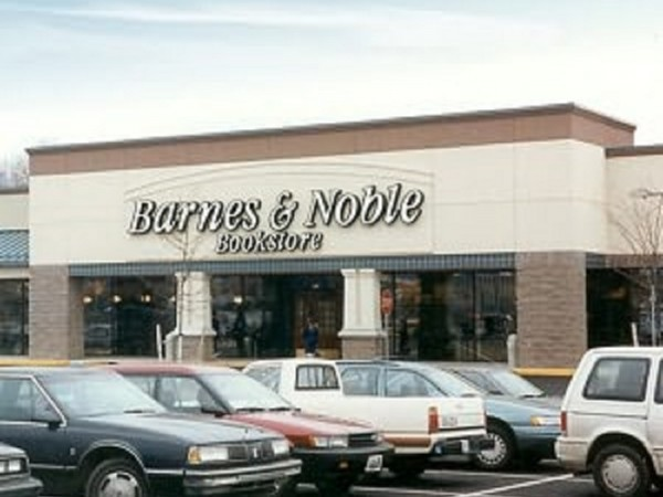 Barnes And Noble May Close Hundreds Of Stores Report