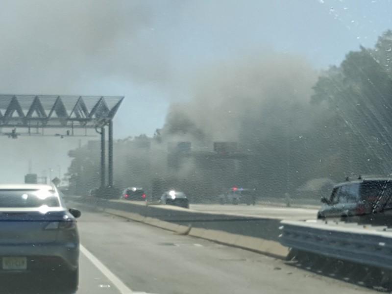 Suv Fire Creates Smoky Hazard At Parkway Toll Plaza Toms