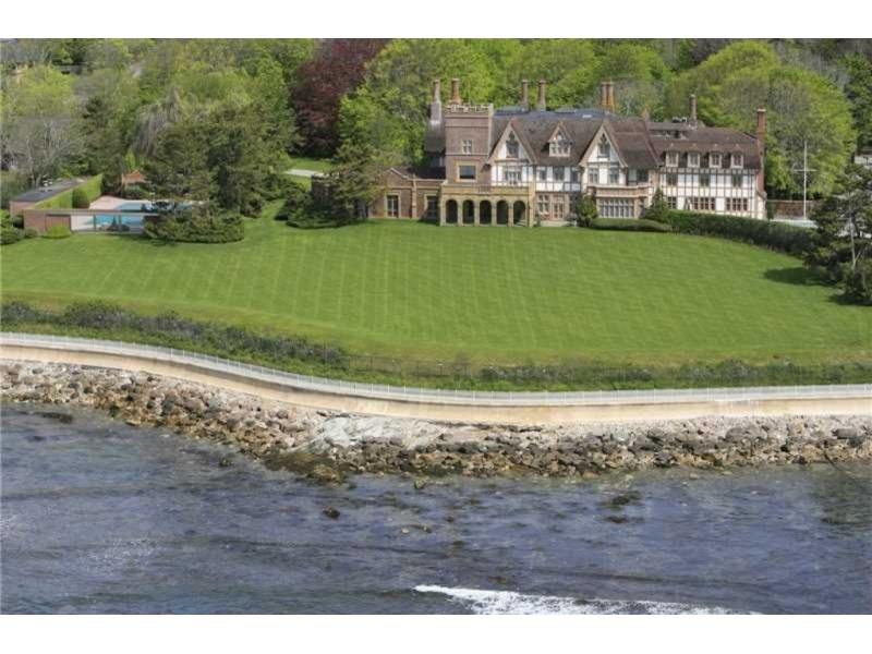 10 most luxurious homes on the market in rhode island for Rhode island home builders