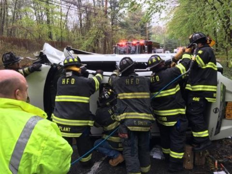 Firefighters Remove Car S Roof To Rescue Driver In Patch