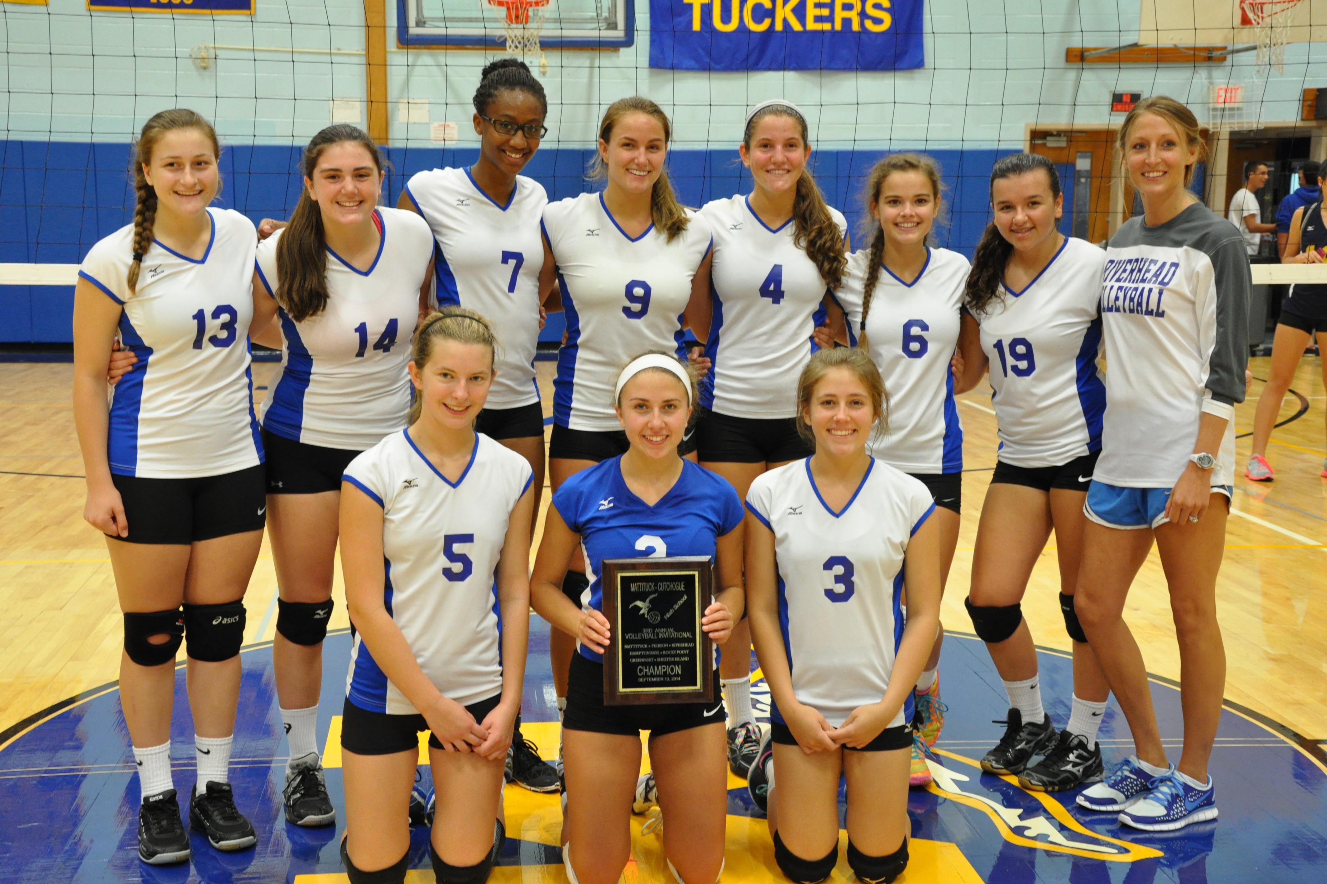 Riverhead girls 39 volleyball team wins mattituck volleyball for Riverhead bay motors service