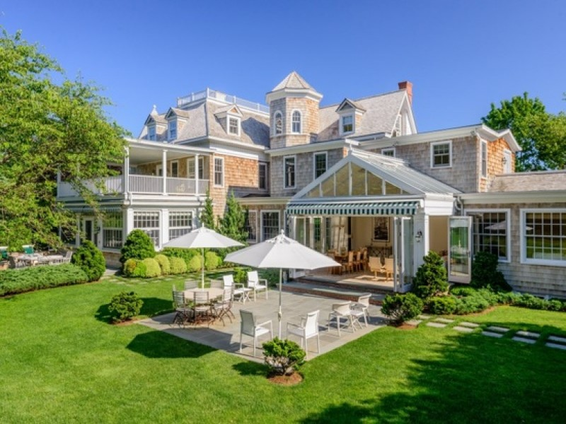 Wow house 1895 southampton home with conservatory for Houses for sale hamptons
