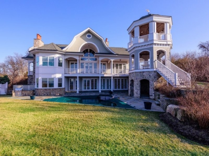 Homes For Sale In Montauk Village