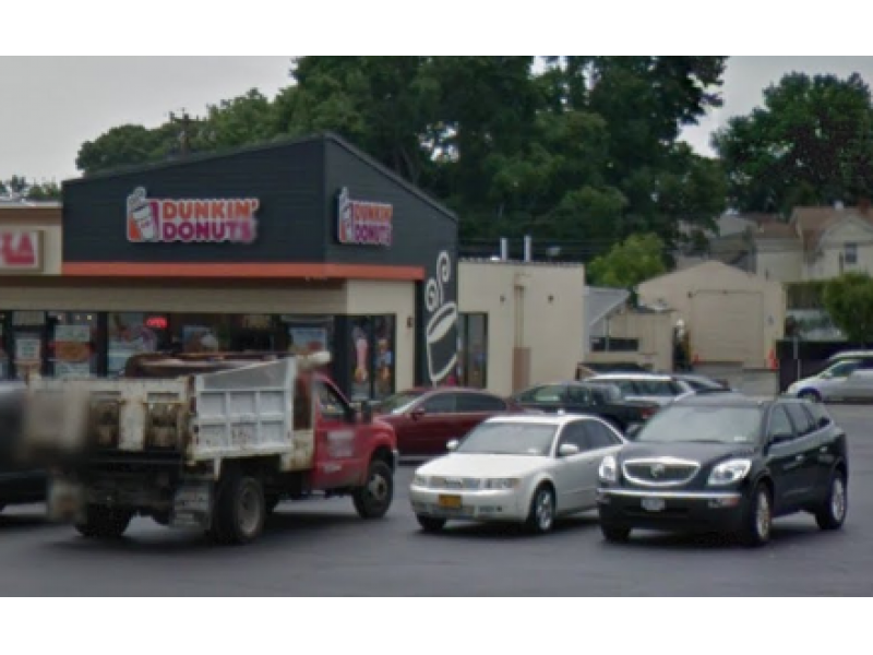 Man Robs Bellmore Dunkin 39 Donuts At Gunpoint Patch