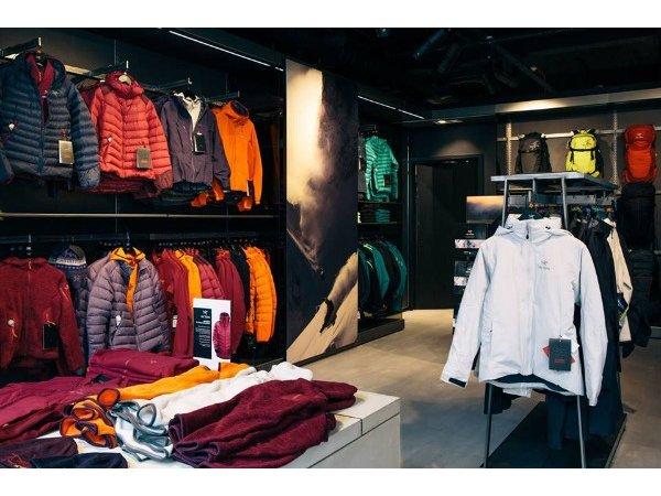 Outdoor Apparel Stores 68