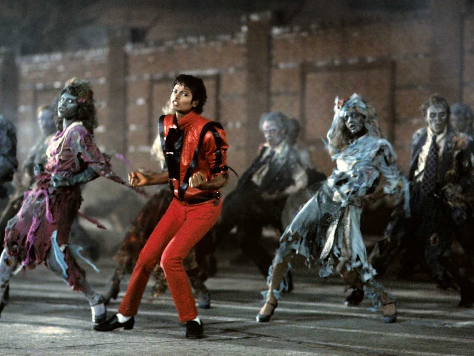Original Michael Jackson's Dancer Teaches the Thriller in ... Michael Jackson Thriller Video Dance