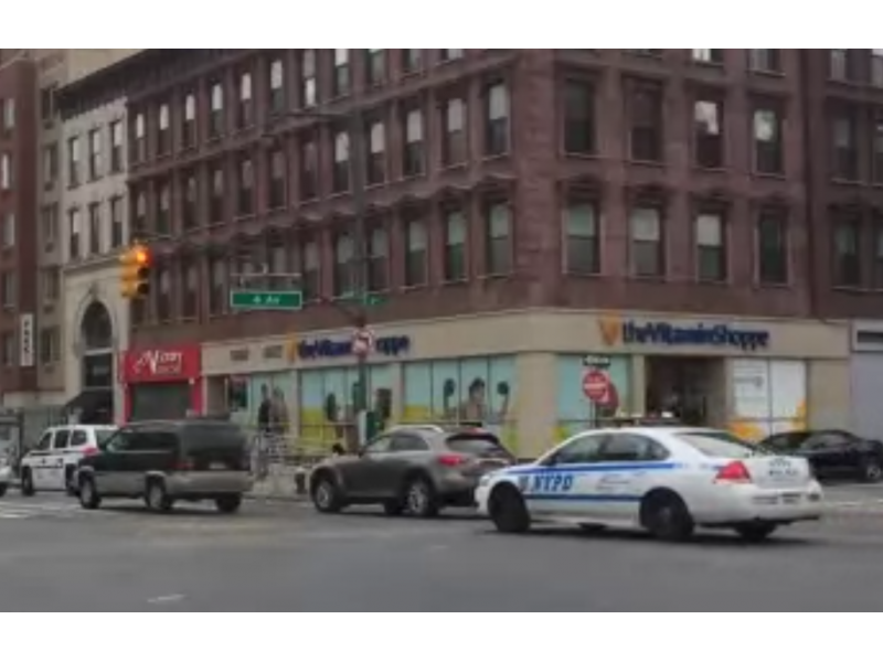 Watch nypd cruiser casually runs red light at 4th and for 64 terrace place brooklyn
