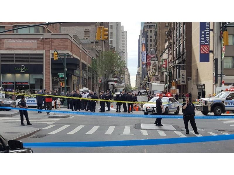 NYPD Officer Shoots Kills Alleged Knife Attacker In Manhattan Updates Bro