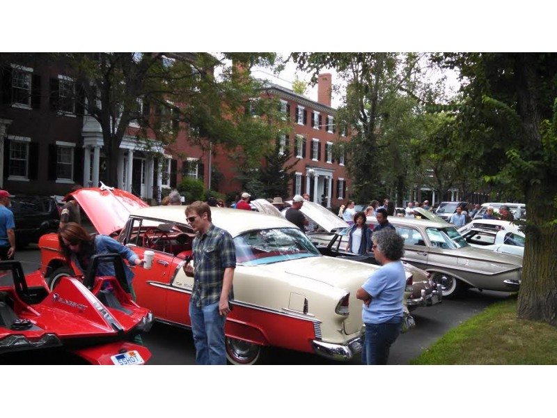 Gallery: Classic Lineup For Annual Car Show
