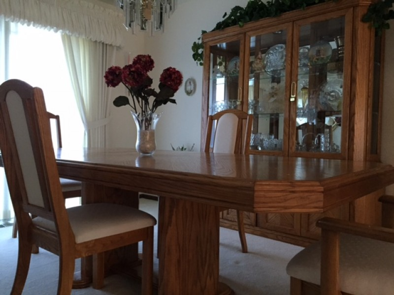 Oak dining room set for sale frankfort il patch - Oak dining room sets for sale ...