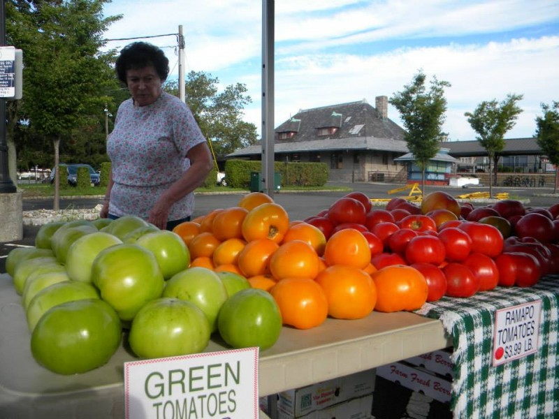 Shop Local for Thanksgiving at Westfield Farmer s Market