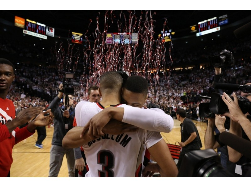 Trail Blazers down Clippers to clinch series