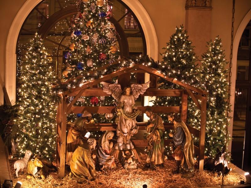 Historic Hotel Bethlehem S Holiday Decorations Ready To