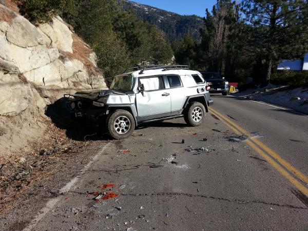 Idyllwild Crash Fj Cruiser Rolls Off Cliff Lands On Sr