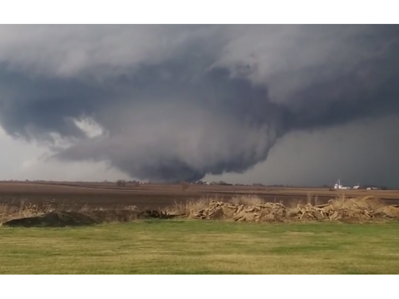 2 confirmed dead in aftermath of tornadoes west of chicago