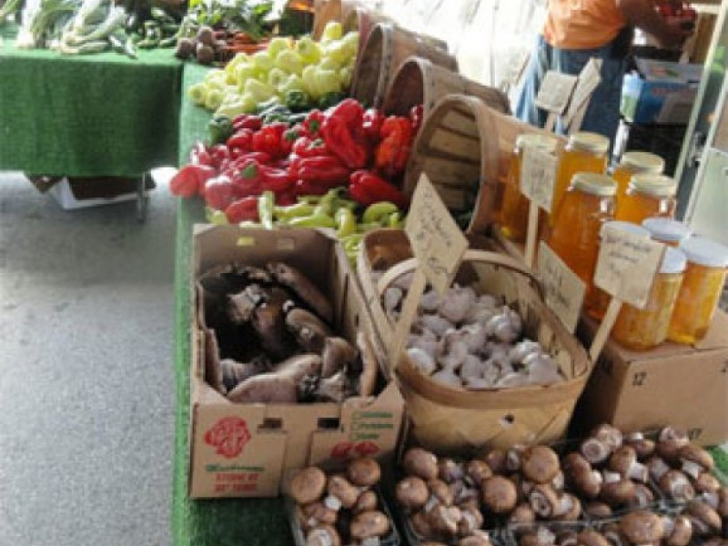 Farmers Market Debuts Sunday; Downtown Market Starts Next...