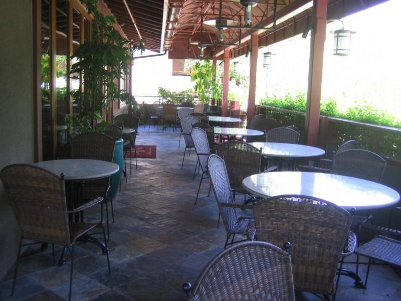 Dinah 39 S Garden Hotel Still All In The Family Palo Alto Ca Patch