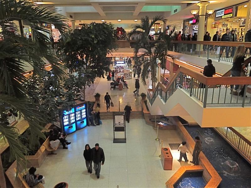 woodbridge center mall holiday hours 1