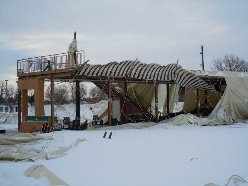 update green garden golf dome collapses during snowstorm video frankfort il patch