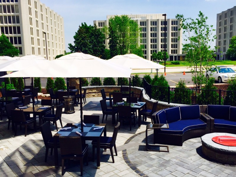 le meridien chicago oakbrook center offers perfect al fresco dining